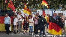Deutschland Pegida Demonstranten in Dresden