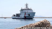 Schiff Diciotti im Hafen von Trapani