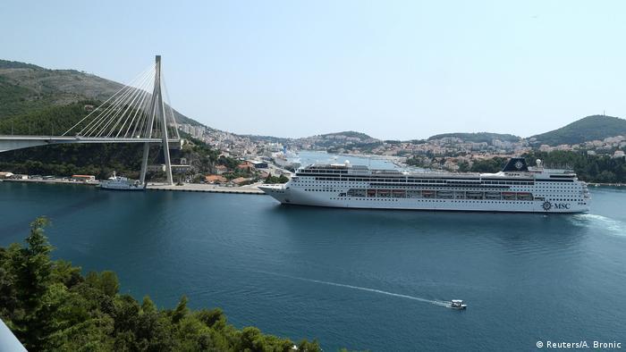 Kruzeri gutaju Dubrovnik