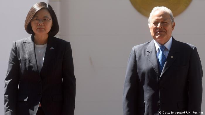 El Salvador Tsai Ing-wen und Salvador Sanchez Ceren in San Salvador (Getty Images/AFP/M. Recinos)