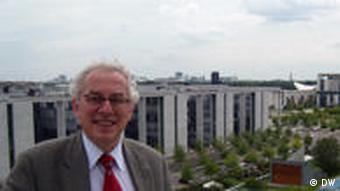 Ο καθηγητής Νικόλας Αποστολόπουλος, Ελεύθερο Πανεπιστήμιο Βερολίνου