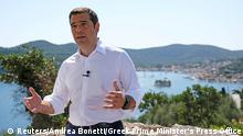 Griechenland Alexis Tsipras TV-Ansprache (Reuters/Andrea Bonetti/Greek Prime Minister's Press Office)