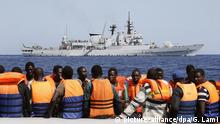 People rescued in the Mediterranean Sea (picture-alliance/dpa/G. Lami)