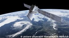 Satellit Aeolus - Wettersatellit (picture-alliance/AP Photo/EA/ATG MEdialab)