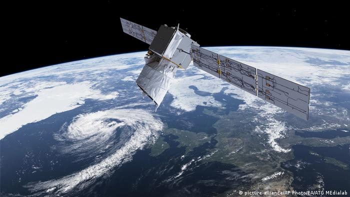 Satellit Aeolus - Wettersatellit (picture-alliance/AP Photo/EA/ATG MEdialab)