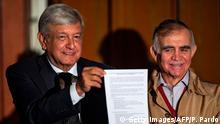 Mexiko PK Gewählter Präsident Lopez Obrador über neuen Flughafen In Mexiko-Stadt