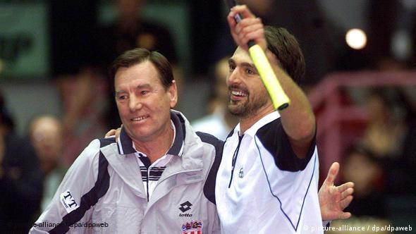 Pilić i Goran Ivanišević nakon jedne Goranove pobjede