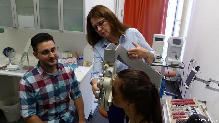 Deutschland Bonn Bad Godesberg Ausbildung syrischer Flüchtlinge