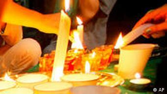 Kerzen werden angezündet Tokio (Foto: AP)