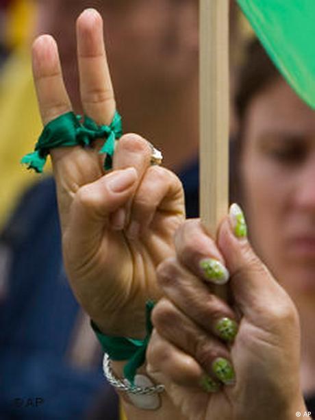 Weltweiter Aktionstag gegen die Regierung in Iran Deutschland (AP)