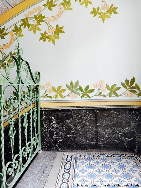 Treppenhaus mit Blumen