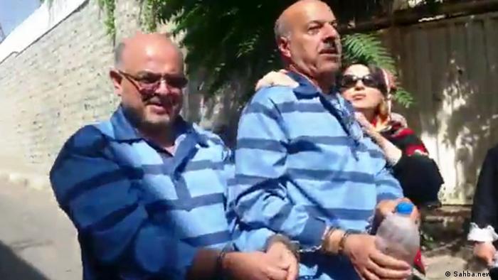 شهریور ۱۳۹۷، قاسم شعله سعدی (راست) و آرش کیخسروی (سمت چپ) حین تجمع در برابر مجلس و به اتهام اجتماع و تبانی علیه امنیت ملی دستگیر و به زندان اوین منتقل شدند. علت این تجمع، اعتراض به نظارت استصوابی و کنوانسیون رژیم حقوقی دریای خزر بود. دستگیری وکلای دادگستری در برابر مجلس و انتقال دو تن از آنها با پابند و دستبند و لباس مخصوص به زندان فشافویه، با واکنش اعتراضی تریبون آزاد وکلا همراه شد.