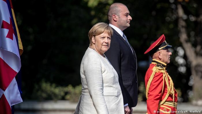Georgien Bundeskanzlerin Merkel Staatsbesuch (picture-alliance/dpa/K. Nietfeld)