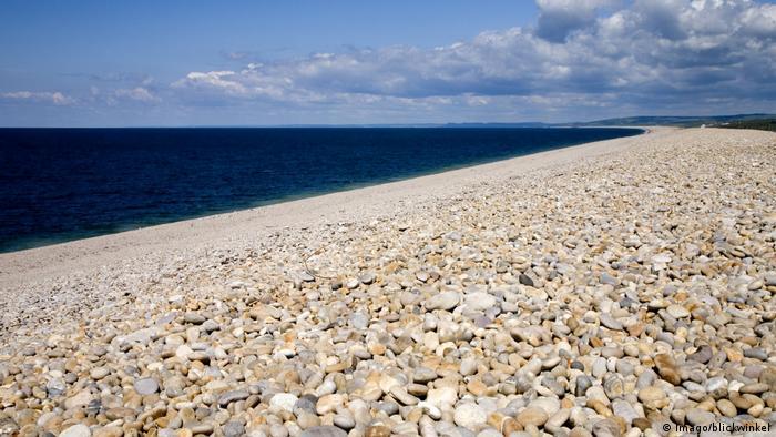 Großbritannien Chesil Beach in Dorset (Imago/blickwinkel)