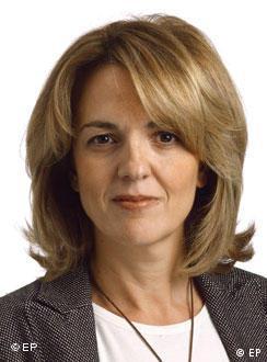 «Πρωτοφανής κατάσταση για ευρωπαϊκή χώρα» το κλείσιμο της ΕΡΤ, σχολιάζει η Μαριλένα Κοπά