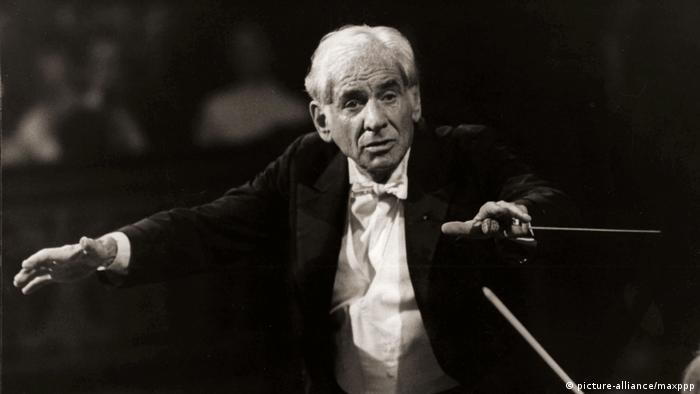 Dirigent Leonard Bernstein (picture-alliance/maxppp)