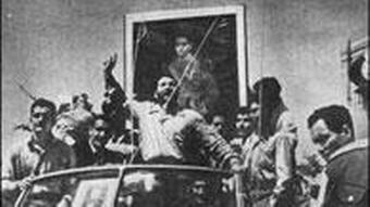 شعبان جعفری و شماری از هواداران شاه در روز ۲۸ مرداد
