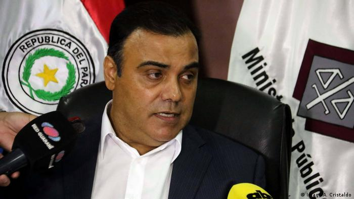 El ex fiscal general del Estado de Paraguay Javier Díaz Verón se entregó a la Justicia tras estar con paradero desconocido desd el 13 de agosto, cuando la que la Fiscalía pidió su detención, por un presunto delito de enriquecimiento ilícito. (24.08.2018).