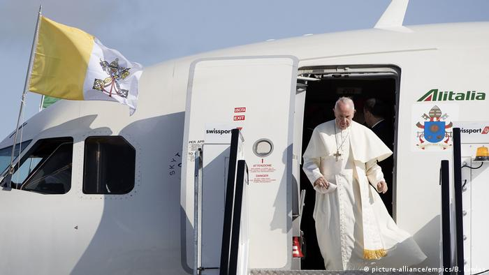 Irland Besuch Papst Franziskus (picture-alliance/empics/B. Lawles)