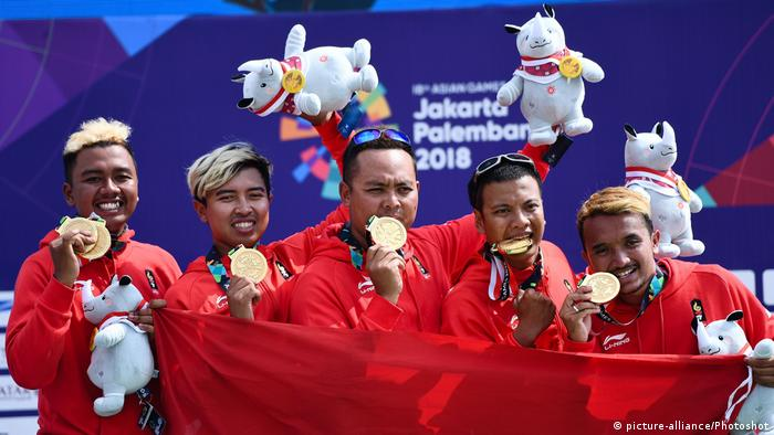 2018 Asian Games Indonesien Mannschaft Paragliding (picture-alliance/Photoshot)