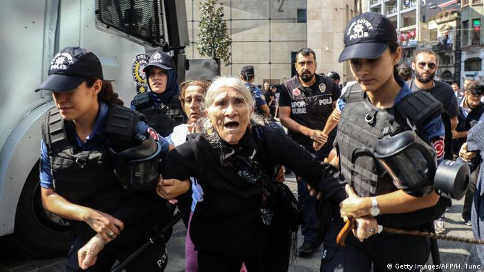 Riot police disperse Saturday Mothers' protests in Istanbul (Getty Images/AFP/H. Tunc)