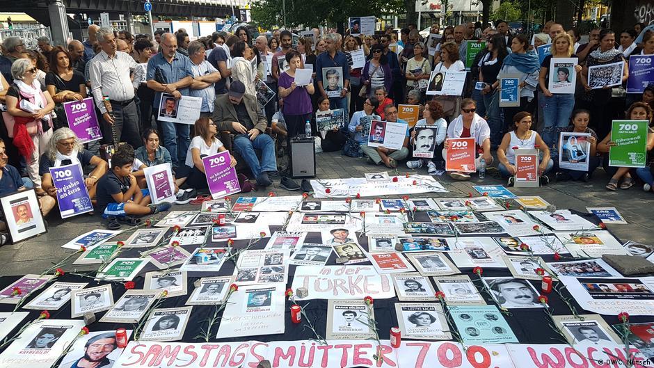 Deutschland | Demo von Samstagsmütter in Berlin