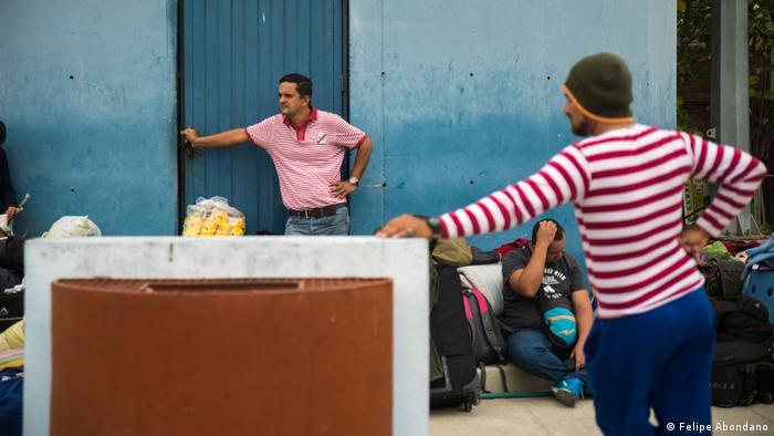 Peru Venezolanische Familien fliehen nach Peru (Felipe Abondano)