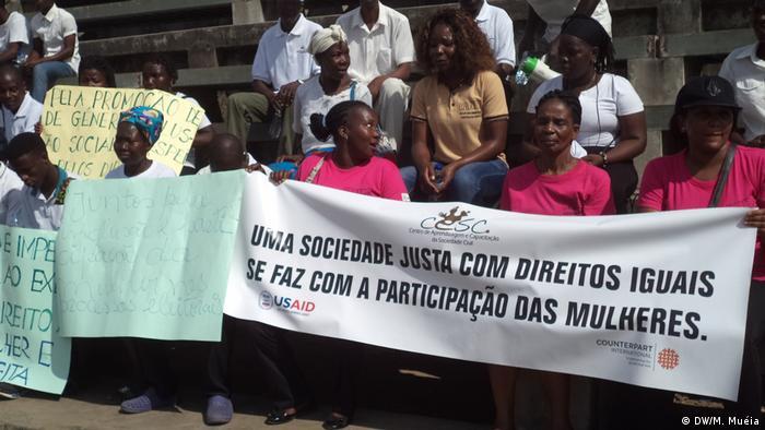 Mosambik | Demo Frauen