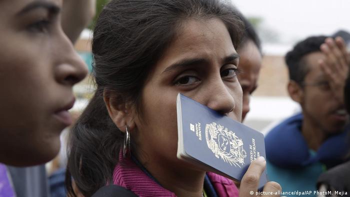 Venezuelalılar İspanya'ya kaçıyor