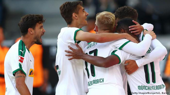 Gladbach celebrate after defeating Leverkusen. (Getty Images/Bongarts/L. Baron)