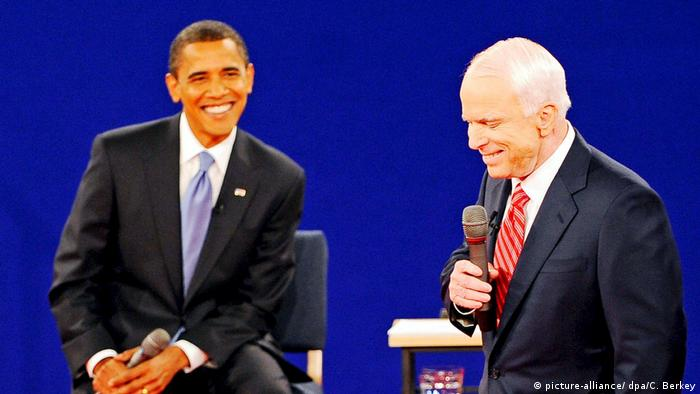 Barack Obama and McCain in a televised debate in 2008 (picture-alliance/ dpa/C. Berkey)