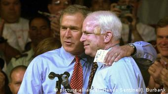 USA Senator John McCain and then presidential candidate George W. Bush in 2000