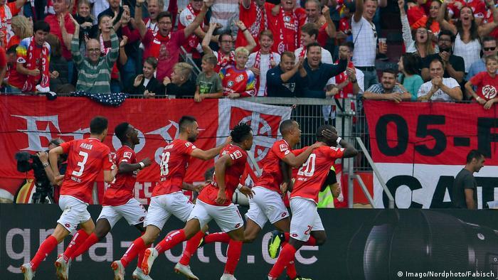 Mainz win with their youngest ever Bundesliga starting XI. (imago/Nordphoto/Fabisch)