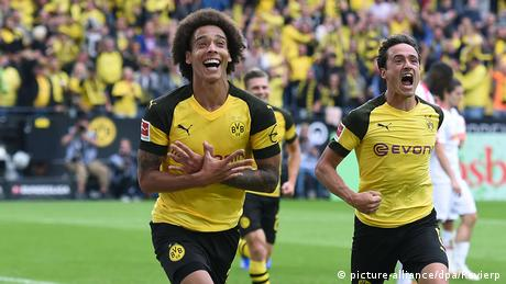 Alex Witsel and Thomas Delaney celebrate. (picture-alliance/dpa/Revierp)