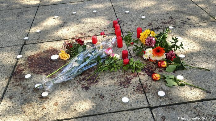 Chemnitz Blumen und Kerzen nach Gewalttat (Imago/epd/W. Schmidt)
