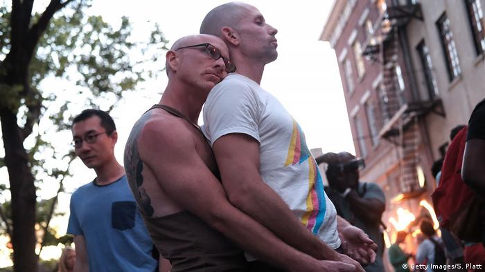 USA Homosexuelles Paar trauert in New York (Getty Images/S. Platt)