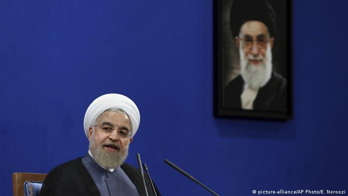 روحانی گفت نه از جنگ میترسیم، نه از مذاکره. او دیروز اختلاف با آمریکا را نه قابل مذاکره، نه قابل مصالحه خوانده بود