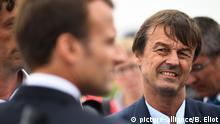 Frankreich, Plevenon: Präsident Emmanuel Macron und Nicolas Hulot