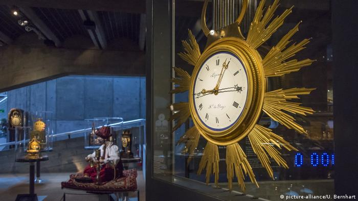 Schweiz; Neuenburg: Le Locle Uhrenmuseum