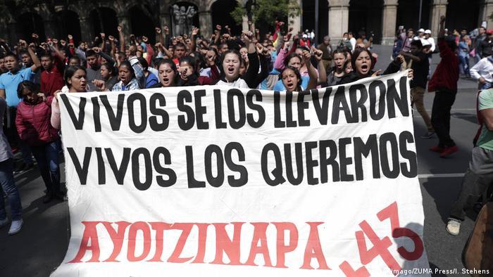Los familiares de los desaparecidos de Ayotzinapan, son ejemplo para familiares de unos 35.000 desaparecidos que hay en el país.
