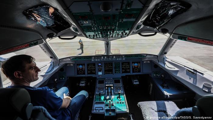 Кабина пилота Sukhoi Superjet 100