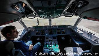 В кабине пилотов SSJ 100
