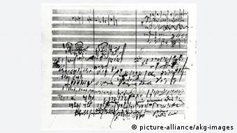 Так выглядят рукописные черновики Бетховена