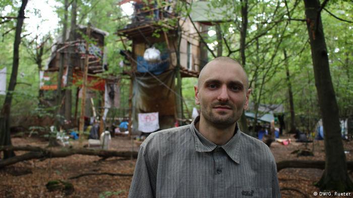 Tim živi u Hambacher Forstu već 5 godina. Prije je radio za jedan automobilski koncern