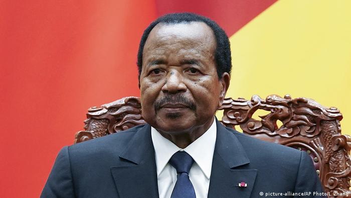 Portrait von Präsident Paul Biya (picture-alliance/AP Photo/L. Zhang)