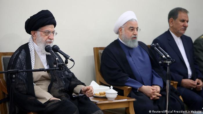 Iran Teheran - Hassan Rouhani und Ayatollah Ali Khamenei bei Kabinettssitzung (ReutersOfficial President.ir Website)