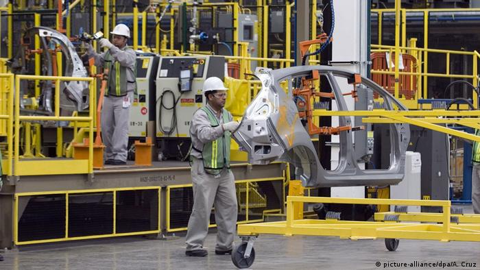 Mexiko Ford-Fabrik (picture-alliance/dpa/A. Cruz)