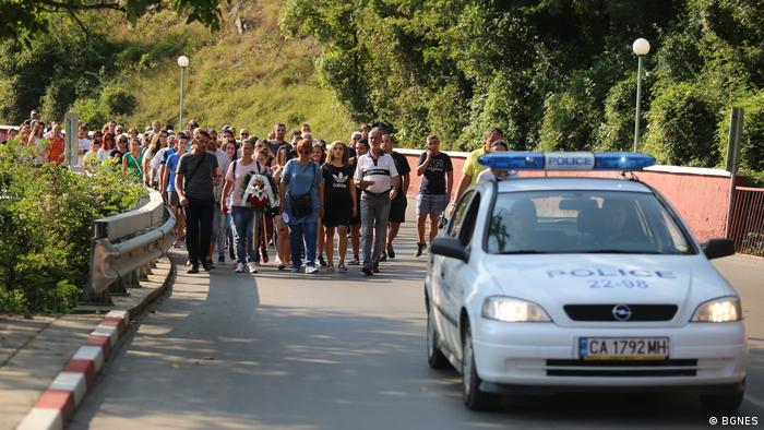 Кадър от протест на мястото на катастрофата край Своге