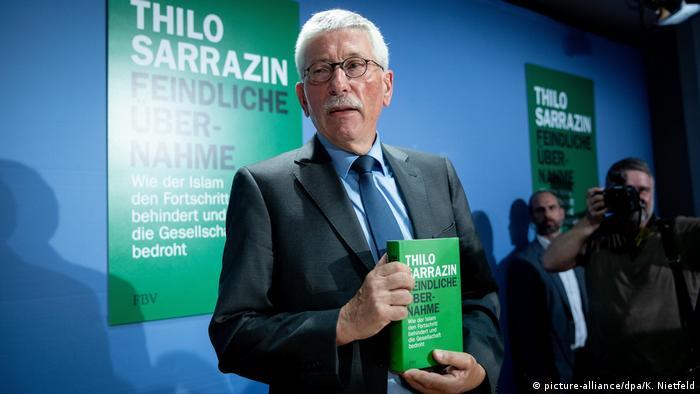 Alman siyasetçiden Müslümanları hedef alan kitap