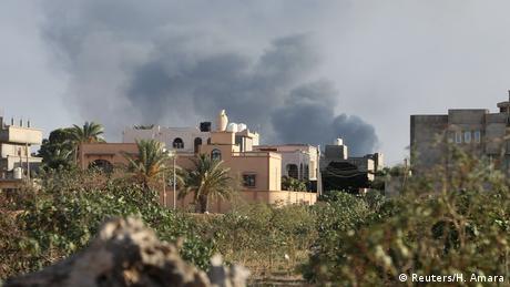 У Триполі запровадили надзвичайний стан, з в'язниці втекли близько 400 осіб